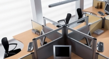 Kompas Desk and Glass Screens