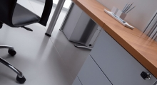 Kompas Desk and Metal Supporting Ped