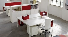 TenUp Benching Desk with Shared Leg